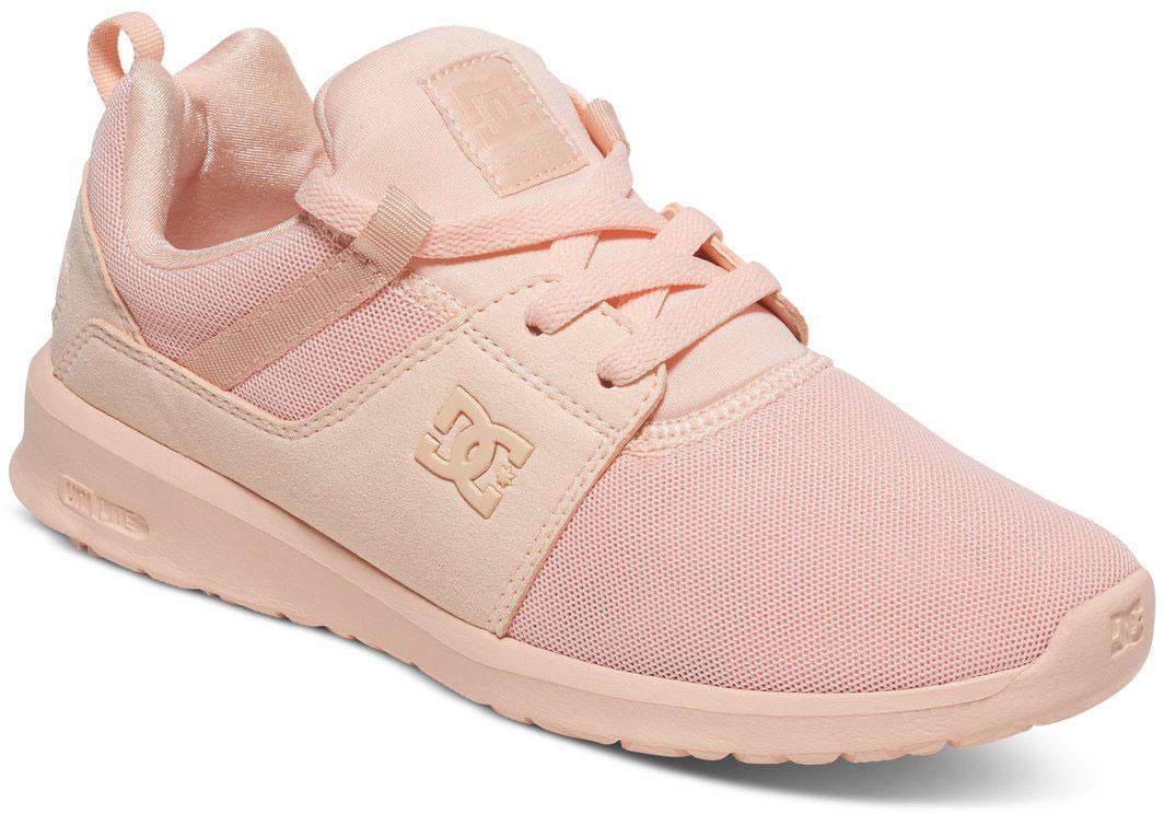 Кроссовки женские DC Shoes Heathrow, цвет: светло-розовый. ADJS700021-PCR. Размер 8B (39)ADJS700021-PCRСтильные женские кроссовки DC Shoes Heathrow - отличный вариант на каждый день.Модель выполнена из текстиля. Шнуровка надежно фиксирует обувь на ноге. Резиновая подошва с протектором гарантирует отличное сцепление с поверхностью. В таких кроссовках вашим ногам будет комфортно и уютно.