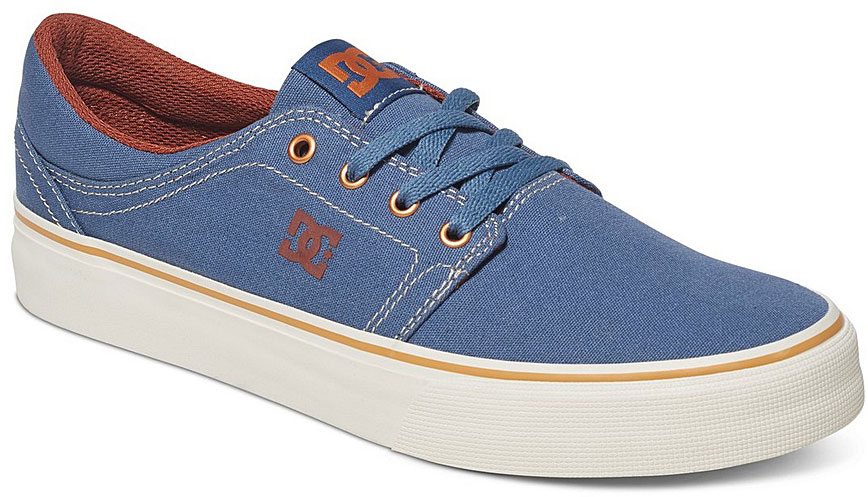 Кеды мужские DC Shoes Trase TX, цвет: синий. ADYS300126-VGO. Размер 11D (44)ADYS300126-VGOСтильные мужские кеды DC Shoes Trase TX - отличный вариант на каждый день.Модель выполнена из текстиля. Шнуровка надежно фиксирует обувь на ноге. Резиновая подошва с протектором гарантирует отличное сцепление с поверхностью. В таких кедах вашим ногам будет комфортно и уютно.