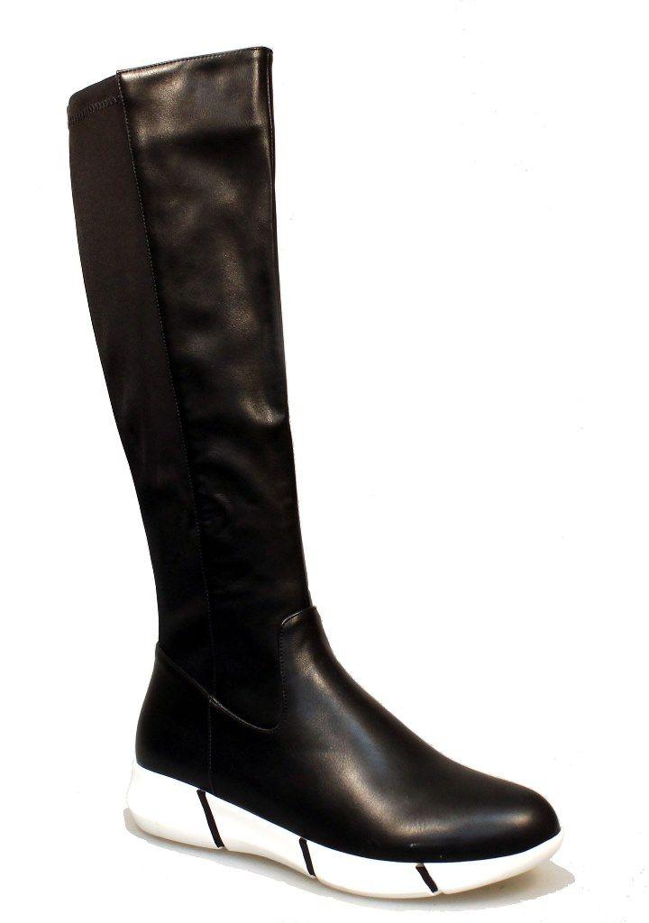 Сапоги женские Thanks4Life, цвет: черный. 2123-IG62555B. Размер 412123-IG62555BТрендовые сапоги от Thanks4lifeзаймут достойное место среди вашей коллекции обуви! Модель изготовлена из мягкой искусственной кожи. Сапоги застегиваются на боковую застежку-молнию. Мягкая подкладка и стелька из байки сохраняют тепло, обеспечивая максимальный комфорт при движении. Рифленая подошва гарантирует идеальное сцепление с любой поверхностью. Модные сапоги выделят вас среди окружающих!