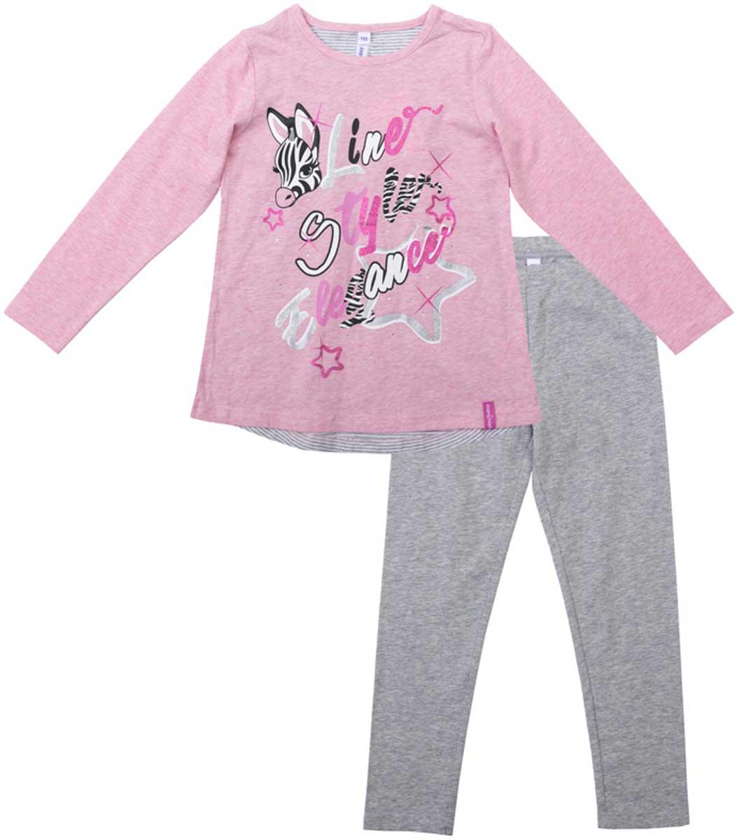 Комплект для девочки PlayToday: лонгслив, леггинсы, цвет: светло-розовый, светло-серый, серый. 172072. Размер 104172072Комплект из футболки и брюк-леггинсов прекрасно подойдет как для домашнего использования, так и для прогулок на свежем воздухе. Мягкий, приятный к телу, материал не сковывает движений. Яркий стильный принт является достойным украшением данного изделия. Леггинсы на мягкой удобной резинке.