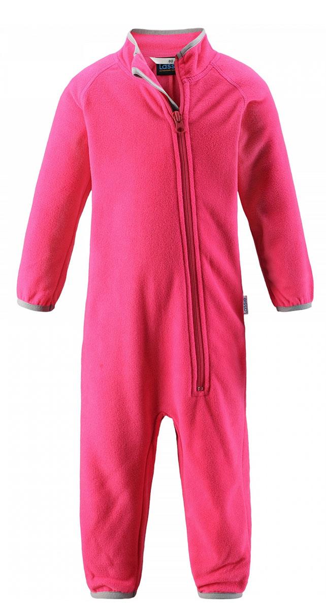 Комбинезон флисовый детский Lassie, цвет: розовый. 7167003400. Размер 807167003400Флисовый комбинезон для малышей для прохладной погоды. Можно использовать как верхнюю одежду в сухую погоду весной или поддевать в качестве промежуточного слоя в холода, тогда дышащий материал будет отводить влагу в верхний слой одежды. Высококачественный флис - это очень мягкий, теплый, эластичный, легкий и быстросохнущий материал, он идеально подходит для активных прогулок. Молния во всю длину с защитой для подбородка облегчает одевание. Важно обращать внимание на продуманную отделку: эластичный воротник, манжеты на рукавах и брючинах. Этот комбинезон подарит комфорт даже самой нежной детской коже.