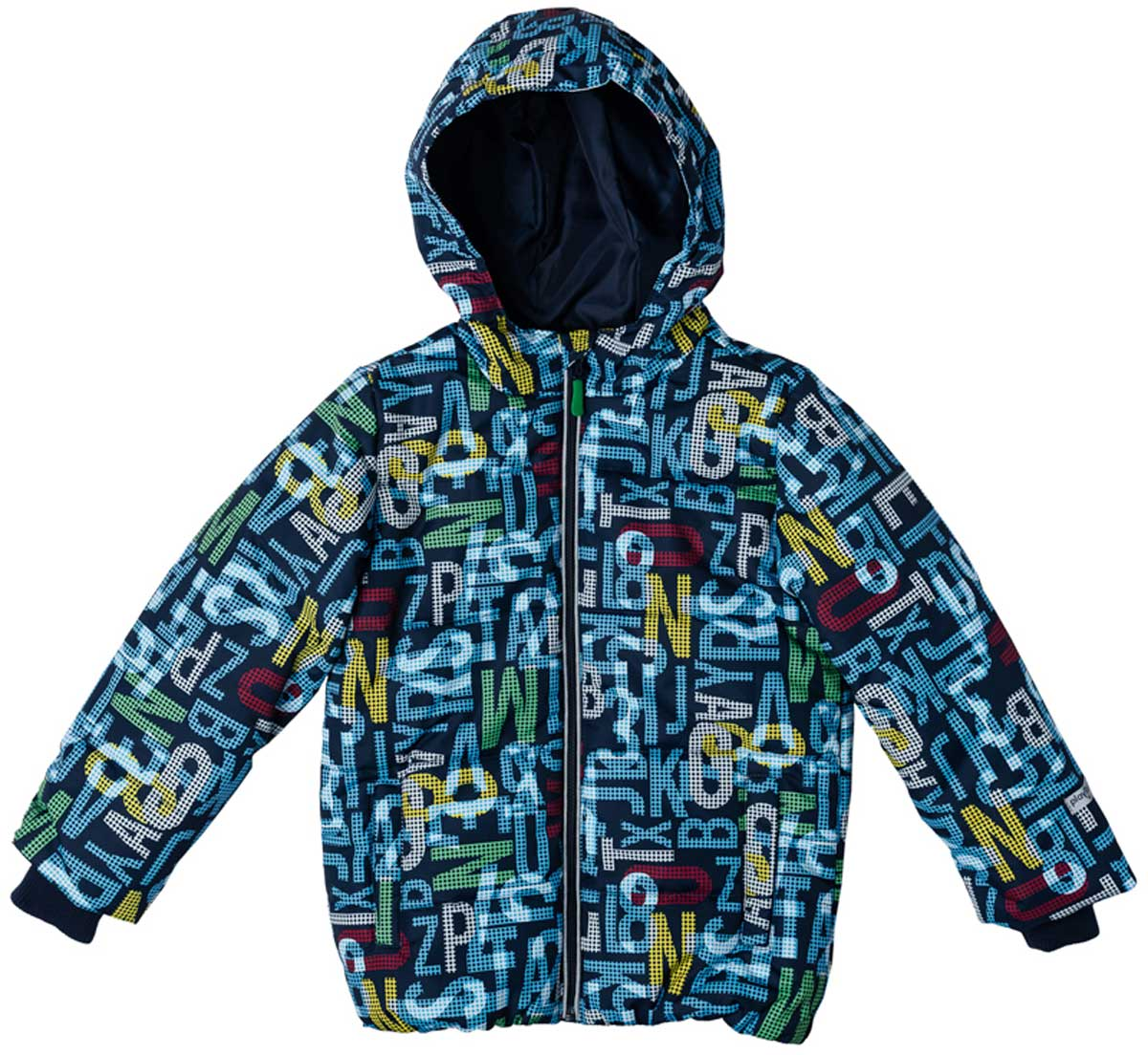 Куртка для мальчика PlayToday, цвет: темно-синий, голубой, темно-зеленый, темно-красный. 171001. Размер 110171001Практичная утепленная куртка со специальной водоотталкивающей пропиткой защитит вашего ребенка в любую погоду! Мягкие трикотажные резинки на рукавах защитят вашего ребенка - ветер не сможет проникнуть под куртку. Специальный карман для фиксации застежки-молнии не позволит застежке травмировать нежную детскую кожу. Даже у самого активного ребенка капюшон не спадет с головы за счет удобного регулируемого шнура - кулиски. Модель снабжена светоотражателями на рукаве и по низу изделия - ваш ребенок будет виден даже в темное время суток