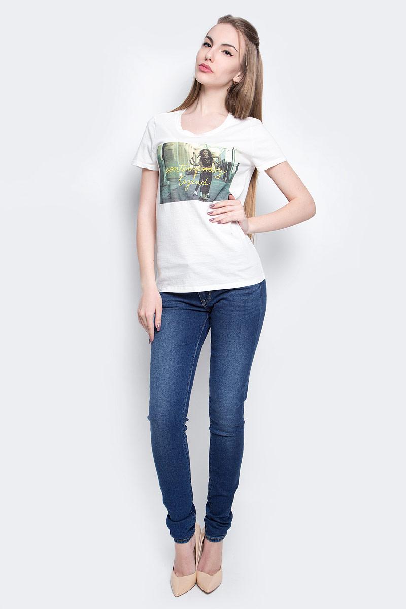 Футболка женская Lee Photo, цвет: белый. L40GEPRR. Размер S (42)L40GEPRRЖенская футболка Lee Photo изготовлена из натурального хлопка. Модель выполнена с круглой горловиной и короткими рукавами. Спереди футболка декорирована оригинальным принтом.