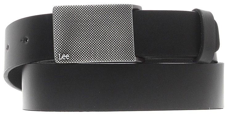 Ремень мужской Lee, цвет: черный. LC615301. Размер 85LC615301Стильный широкий ремень Lee выполнен из натуральной кожи. Прямоугольная пряжка, с помощью которой регулируется длина ремня, выполнена из металла и оформлена фирменной гравировкой.