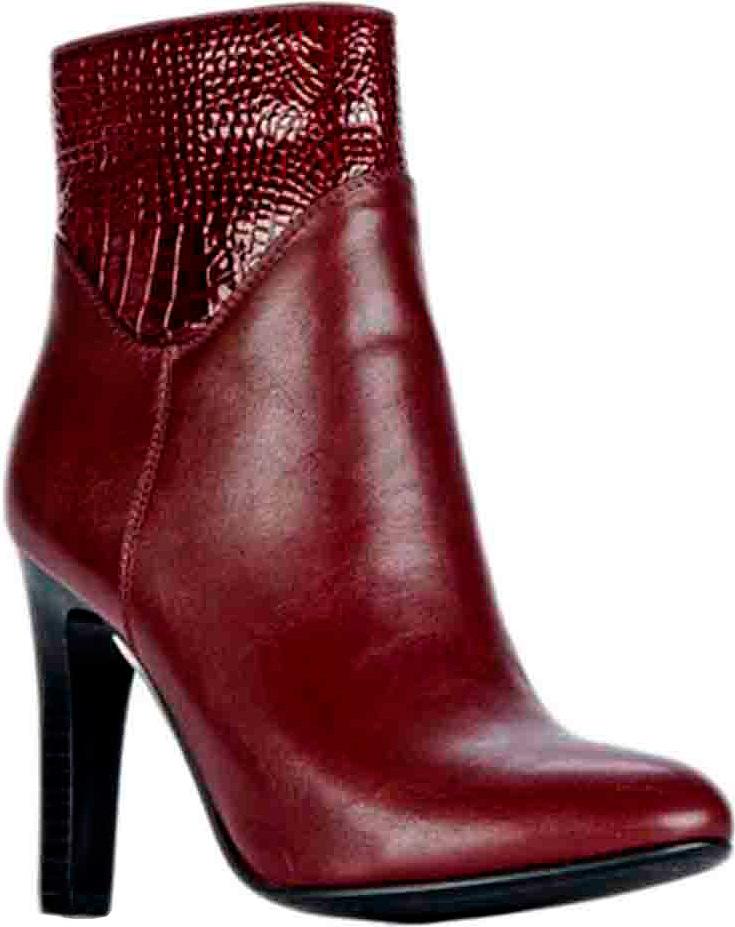 Полусапоги женские Vitacci, цвет: красный. 83452. Размер 3683452Стильные женские полусапоги от Vitacci выполнены из качественной искусственной кожи. Удобная стелька из ворсина обеспечит комфорт при носке. Высокий каблук невероятно устойчив.