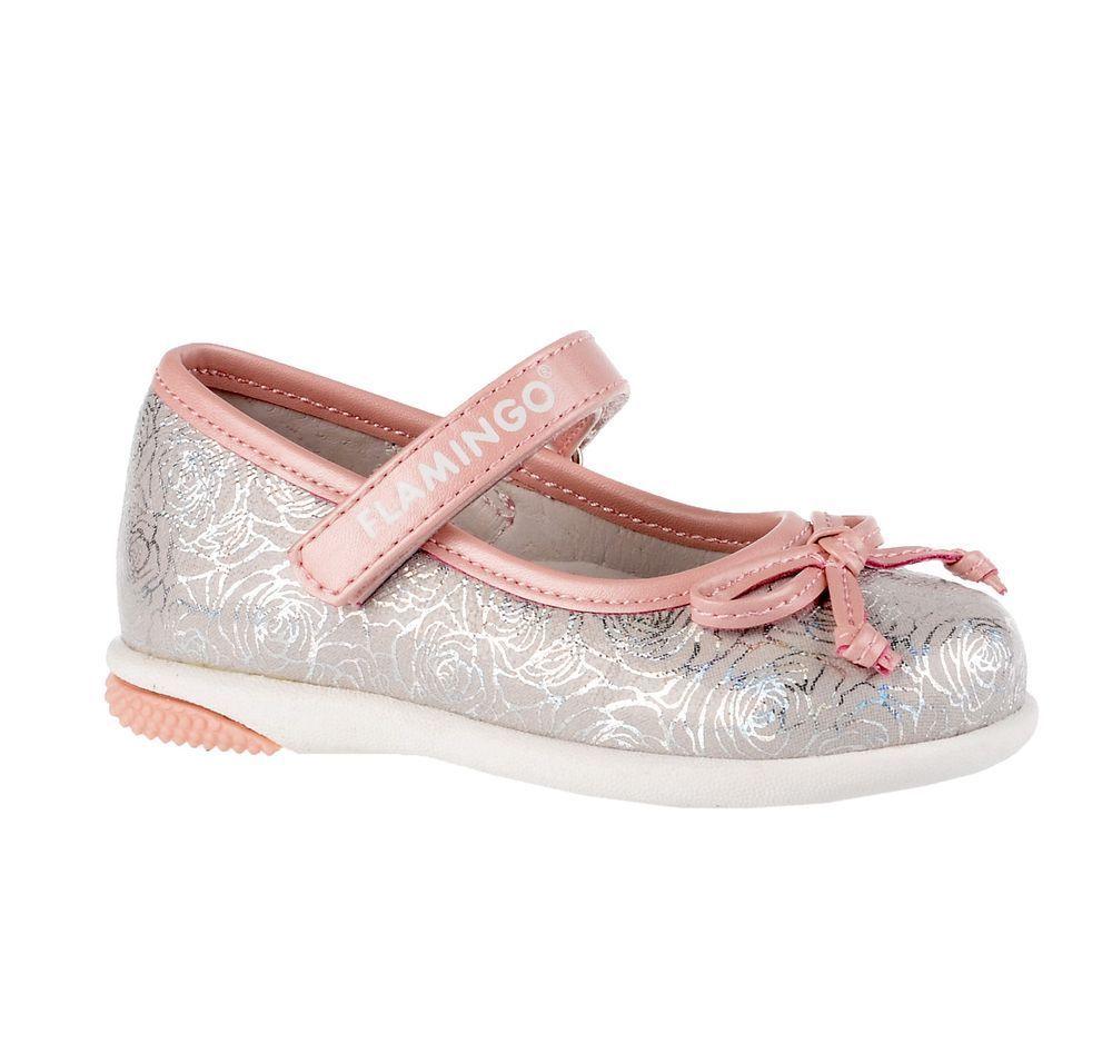 Туфли для девочки Flamingo, цвет: серебристый, розовый. 71T-XY-0102. Размер 2171T-XY-0102Модные туфли для девочки от Flamingo, выполненные из искусственной кожи и текстиля, оформлены цветочным принтом. Мыс модели украшен декоративным бантиком. Ремешок с застежкой-липучкой надежно зафиксирует модель на ноге. Внутренняя поверхность и стелька из натуральной кожи обеспечат комфорт при движении. Стелька дополнена супинатором, который предотвращает плоскостопие. Подошва дополнена рифлением.