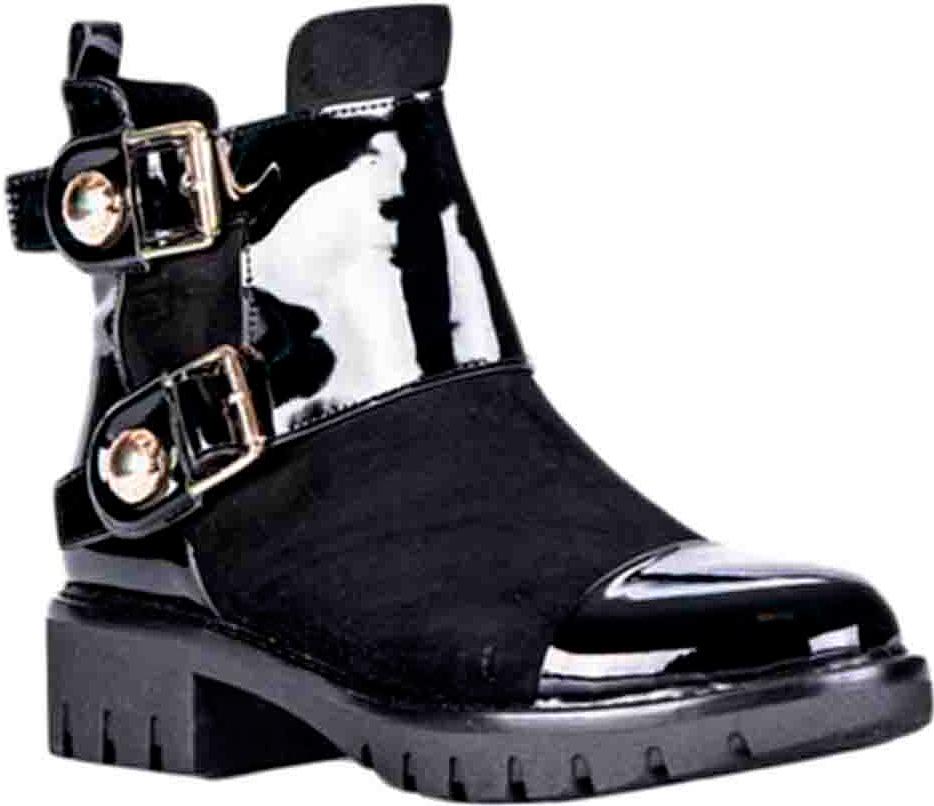 Ботинки женские Vitacci, цвет: черный. 83286. Размер 3983286Удобные женские ботинки от Vitacci изготовлены из качественной искусственной кожи. Ботинки застегиваются на боковую молнию. Практичная стелька из ворсина обеспечит комфорт при носке. Подошва дополнена небольшим каблуком и рифлением.