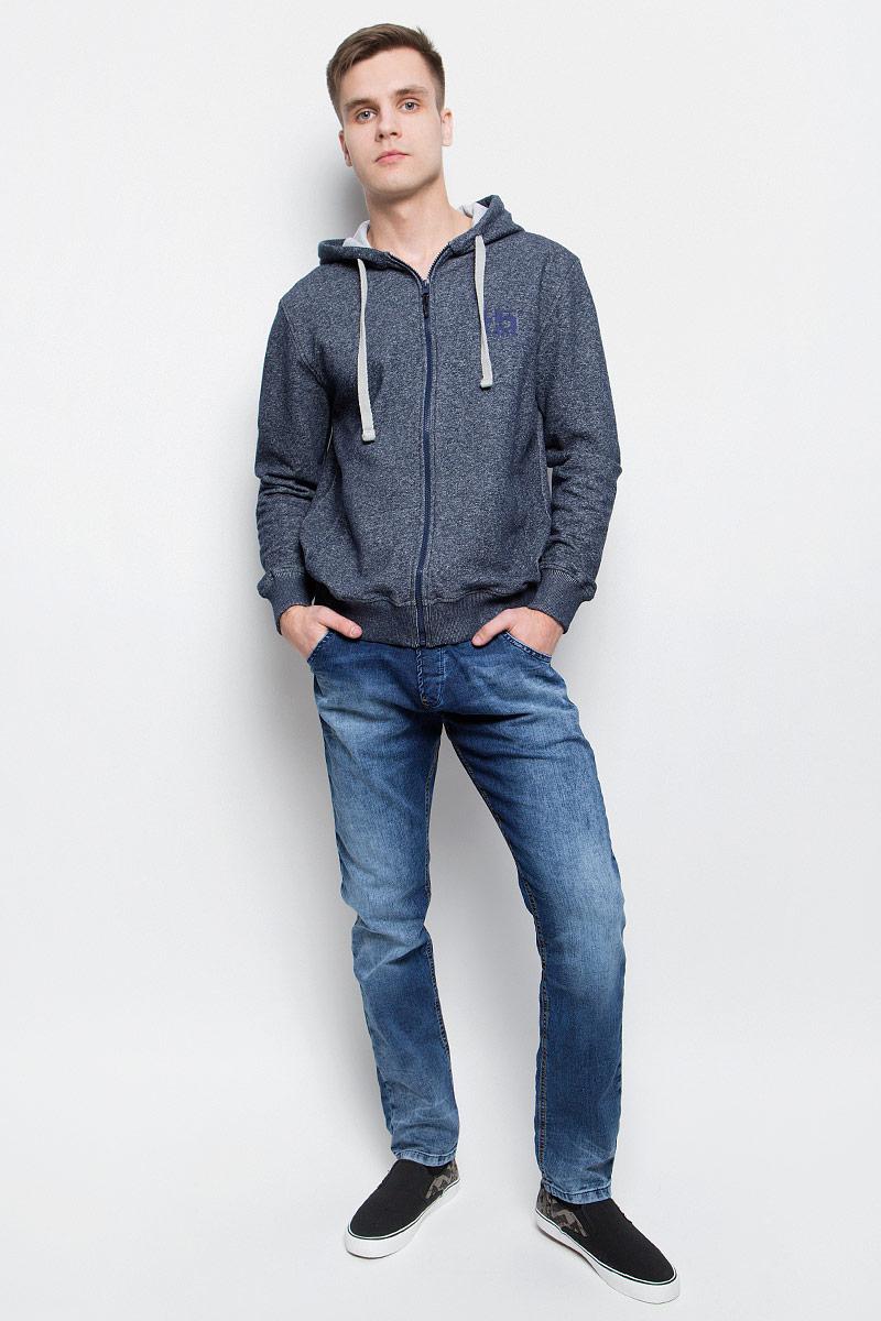 Джинсы мужские F5, цвет: синий. 265106_09624. Размер 30-32 (46-32)265106_09624Мужские джинсы F5 выполнены из высококачественного эластичного хлопка с добавлением полиэстера. Слегка зауженные книзу джинсы стандартной посадки имеют широкую эластичную резинку на поясе и дополнены шлевками для ремня. Объем талии регулируется при помощи шнурка-кулиски. Джинсы имеют классический пятикарманный крой: спереди модель дополнена двумя втачными карманами и одним маленьким накладным кармашком, а сзади - двумя накладными карманами. Модель украшена декоративными потертостями.