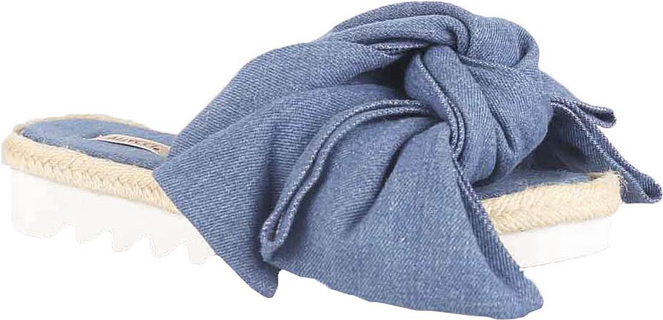 Сабо женские Vitacci, цвет: синий. 45623. Размер 3545623Стильные сабо от Vitacci не оставят вас незамеченной! Модель выполнена из качественного текстиля. Обувь оформлена большим декоративным бантом. Подошва изготовлена из гибкого полиуретана.