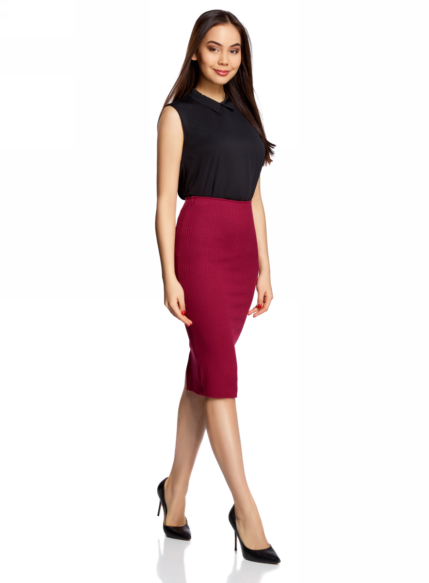 Юбка oodji Ultra, цвет: бордовый. 14101087/46412/4900N. Размер S (44)14101087/46412/4900NСтильная юбка-карандаш на резинке выполнена из ткани в рубчик. Сзади модель дополнена разрезом.