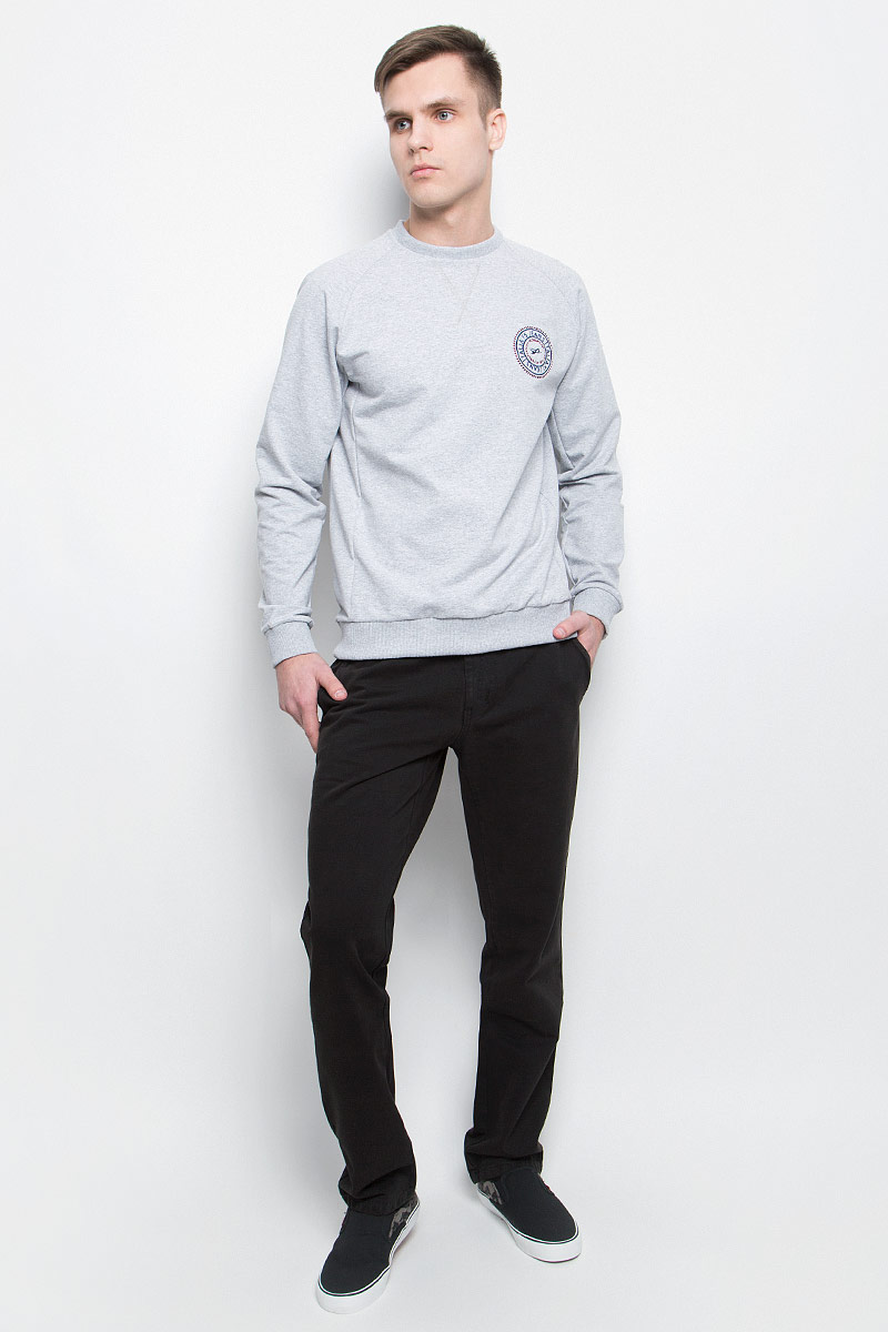 Брюки мужские F5, цвет: черный. 264021_09607. Размер 34-36 (50-36)264021_09607, Gabardine 0945 str., blackСтильные мужские брюки F5 великолепно подойдут для повседневной носки и помогут вам создать незабываемый современный образ. Классическая модель прямого кроя и стандартной посадки изготовлена из эластичного хлопка, благодаря чему великолепно пропускает воздух, обладает высокой гигроскопичностью и превосходно сидит. Брюки застегиваются на ширинку на застежке-молнии, а также пуговицу на поясе. На поясе расположены шлевки для ремня. Модель оформлена двумя открытыми втачными карманами спереди и двумя прорезными карманами на пуговицах сзади.Эти модные и в то же время удобные брюки станут великолепным дополнением к вашему гардеробу. В них вы всегда будете чувствовать себя уверенно и комфортно.