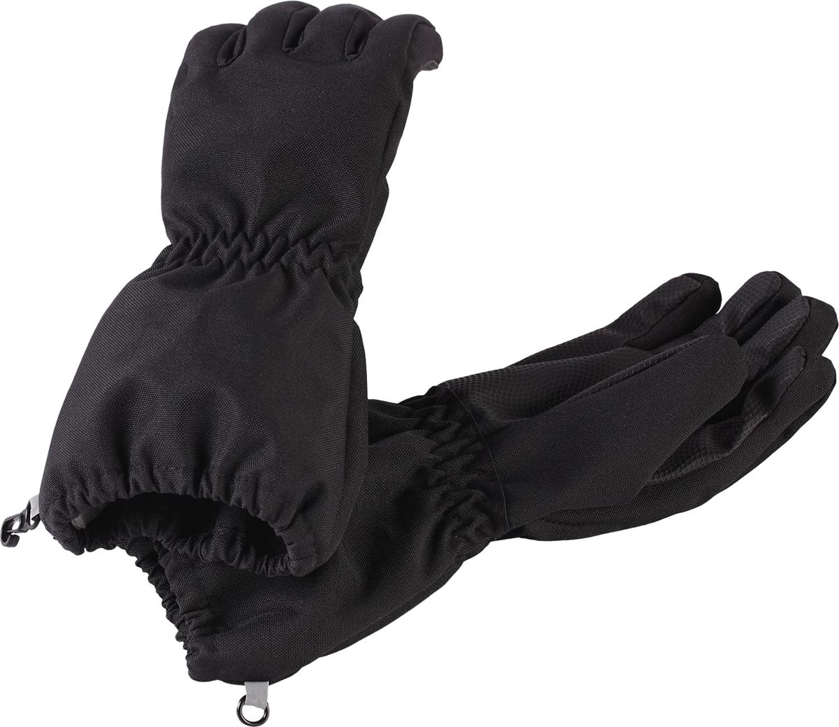 Перчатки детские Lassie Lassietec, цвет: черный. 7277019990. Размер 67277019990Дышащие детские перчатки изготовлены из очень износостойкого и абсолютно водонепроницаемого материала. В них предусмотрена водонепроницаемая мембрана и трикотажная подкладка из полиэстера с начесом. Усиления на ладони, кончиках пальцев и на большом пальце позволяют крепко держать в руках разные сокровища, найденные во время весенних приключений на природе, а еще хорошо согревают ручки. Сверху снабжены светоотражающим элементом.