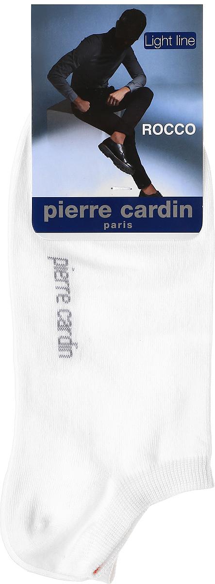 Носки мужские Pierre Cardin Cr Rocco, цвет: белый. Размер 25/27 (39/41)Cr RoccoУкороченные носки Pierre Cardin Light Line изготовлены из хлопка с добавлением полиамида и эластана. Носки дополнены надписью с названием бренда. Эластичная резинка плотно облегает ногу, не сдавливая ее.