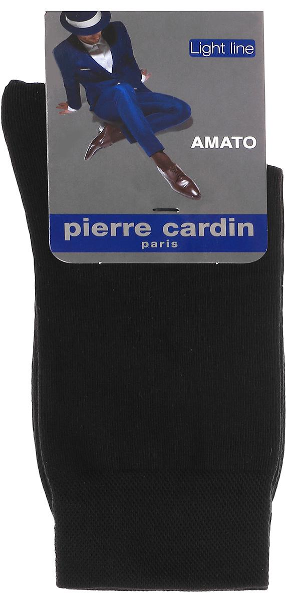 Носки мужские Pierre Cardin Cr Amato, цвет: черный. Размер 27/29 (42/44)Cr AmatoМужские носки Pierre Cardin Cr Amato изготовлены из высококачественного эластичного хлопка с добавлением полиамида и превосходно облегают ногу. Носки имеют эластичную резинку, которая надежно фиксирует носки на ноге.