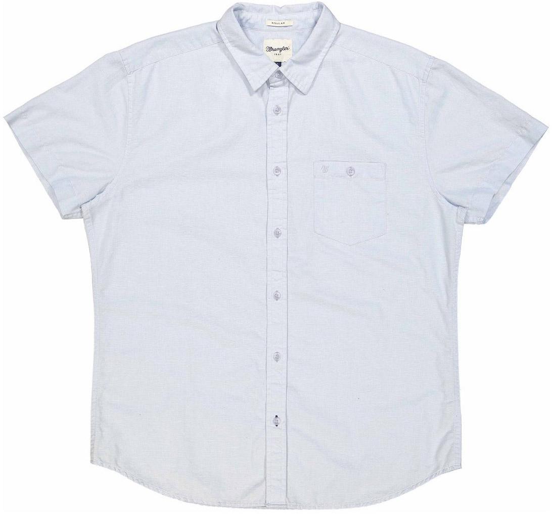 Рубашка мужская Wrangler, цвет: голубой. W5860LOS2. Размер L (50)W5860LOS2Очаровательная мужская рубашка Wrangler, изготовленная из высококачественного материала, необычайно мягкая и приятная на ощупь, не сковывает движения и позволяет коже дышать, не раздражает даже самую нежную и чувствительную кожу, обеспечивая наибольший комфорт.Модная рубашка прямого кроя, с короткими рукавами, с отложным воротником и полукруглым низом застегивается на пуговицы. Модель дополнена на груди накладным карманом на пуговице, украшенным небольшой вышивкой в виде логотипа бренда.Эта рубашка идеальный вариант для повседневного гардероба. Такая модель порадует настоящих ценителей комфорта и практичности!