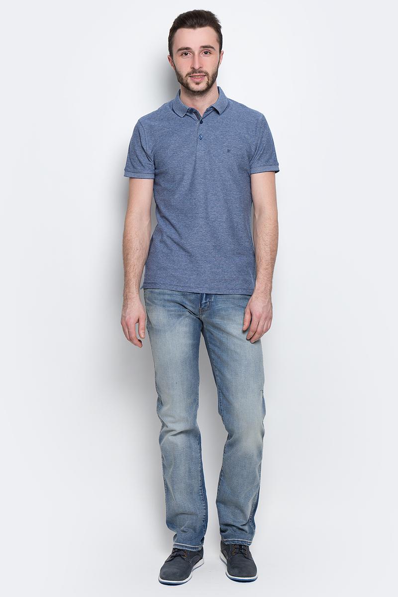 Джинсы мужские Wrangler Arizona, цвет: синий. W12OMK88E. Размер 33-34 (48/50-34)W12OMK88EМужские джинсы Wrangler Arizona выполнены из высококачественного эластичного хлопка. Джинсы прямого кроя и стандартной посадки застегиваются на пуговицу в поясе и ширинку на застежке-молнии, дополнены шлевками для ремня. Джинсы имеют классический пятикарманный крой: спереди модель дополнена двумя втачными карманами и одним маленьким накладным кармашком, а сзади - двумя накладными карманами. Модель украшена декоративными потертостями.