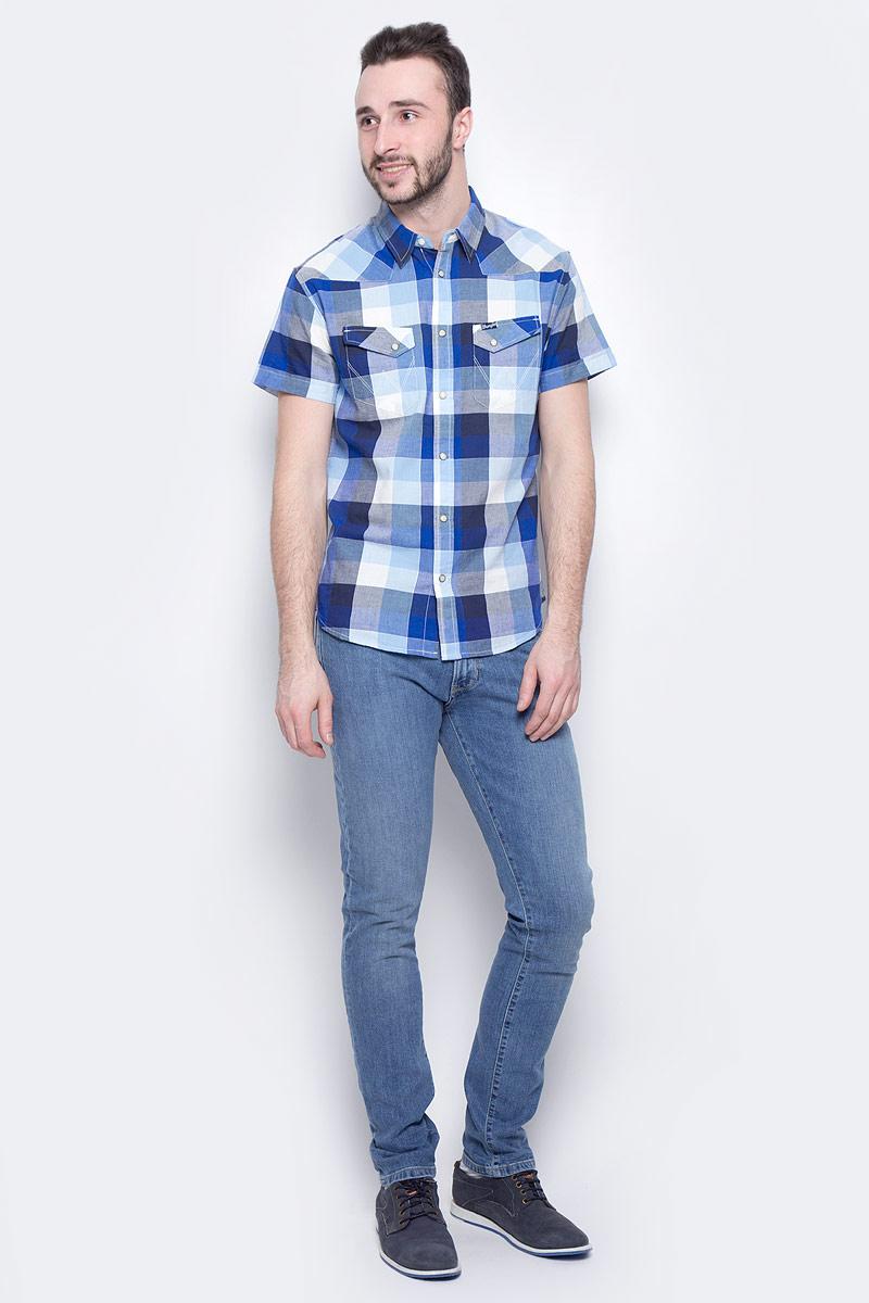 Джинсы мужские Wrangler Larston, цвет: синий джинс. W18SXG94Y. Размер 33-34 (48/50-34)W18SXG94YМужские джинсы Wrangler Larston станут отличным дополнением к вашему гардеробу. Джинсы выполнены из эластичного хлопка. Изделие мягкое и приятное на ощупь, не сковывает движения и позволяет коже дышать.Модель на поясе застегивается на металлическую пуговицу и ширинку на металлической застежке-молнии, а также предусмотрены шлевки для ремня. Спереди расположены два втачных кармана и один секретный кармашек, а сзади - два накладных кармана. Изделие оформлено контрастными отстрочками, металлическими кнопками и украшено нашивкой с названием бренда.