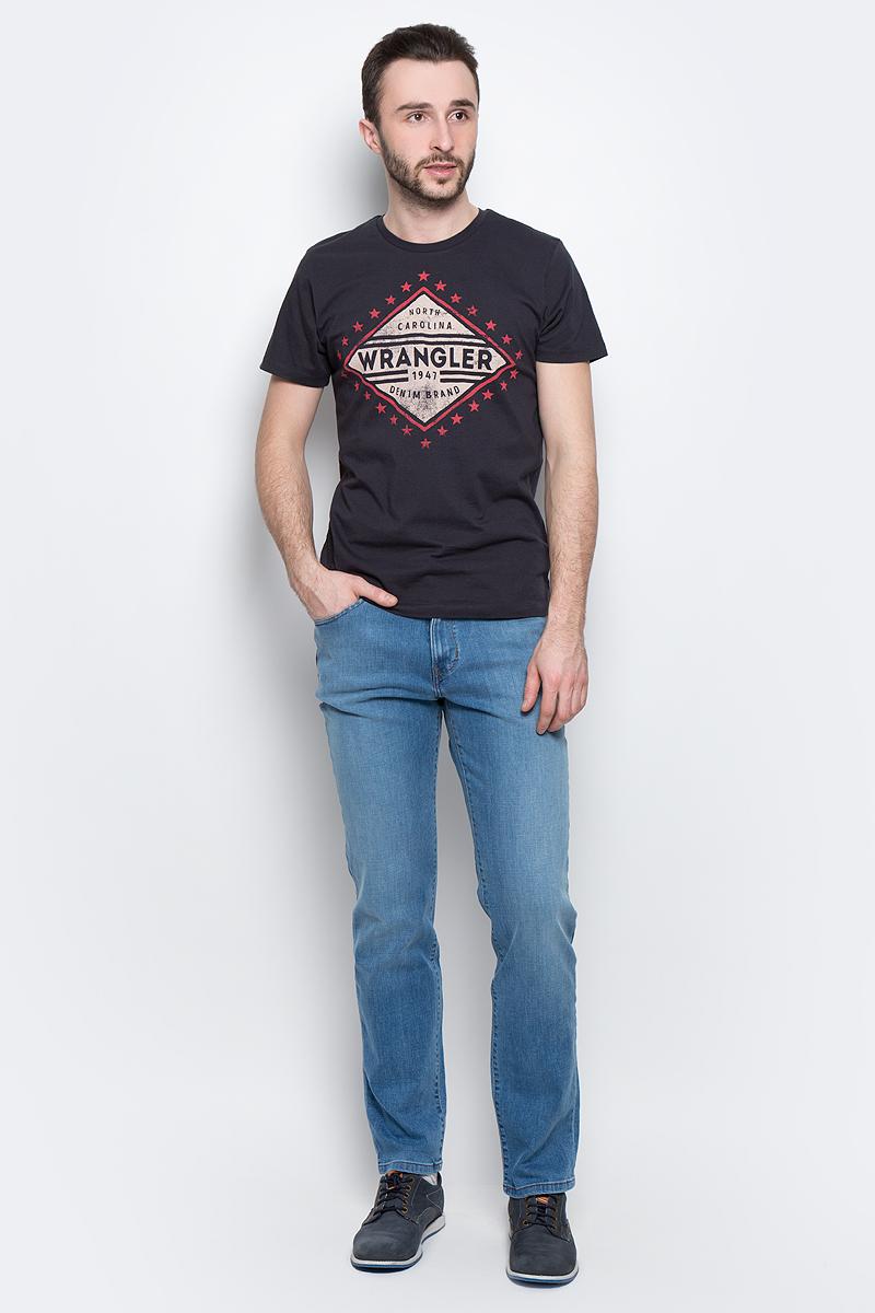 Футболка мужская Wrangler Americana, цвет: черный. W7A52FK16. Размер L (50)W7A52FK16Мужская футболка Wrangler Americana изготовлена из натурального хлопка. Модель выполнена с круглой горловиной и короткими рукавами. Спереди футболка декорирована оригинальным принтом.