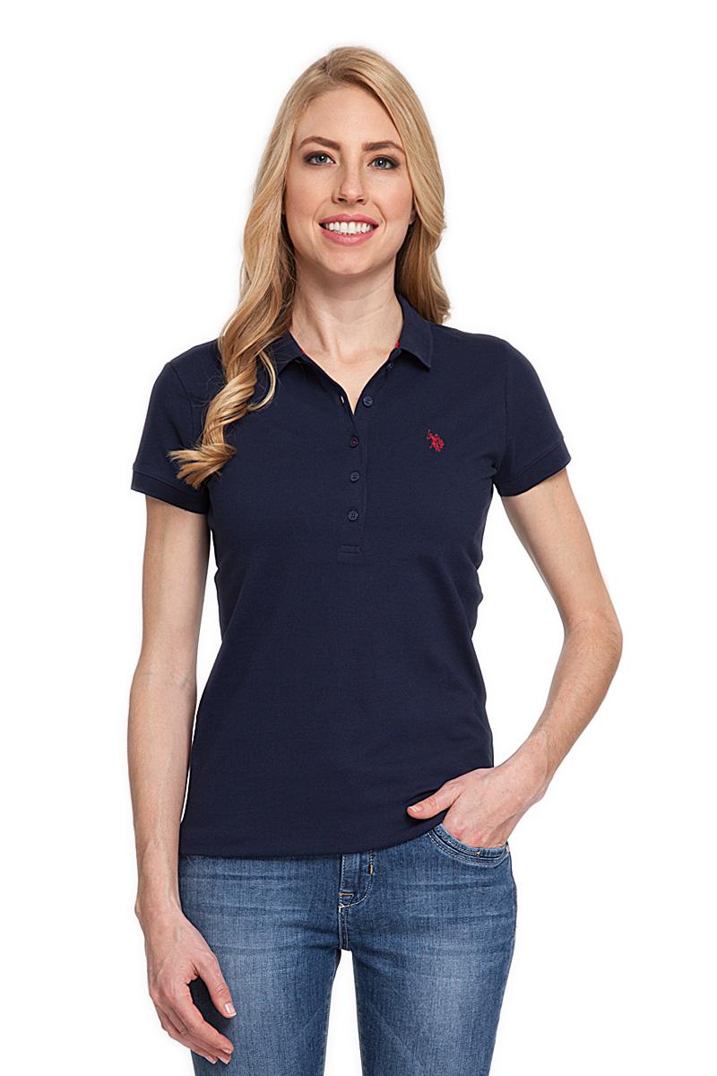 Поло женское U.S. Polo Assn., цвет: синий. G082CS011P26TP01IY4. Размер XS (42)G082CS011P26TP01IY4Стильная футболка-поло с короткими рукавами и отложным воротником выполнена из натурального эластичного хлопка. На груди модель застегивается на пуговицы.