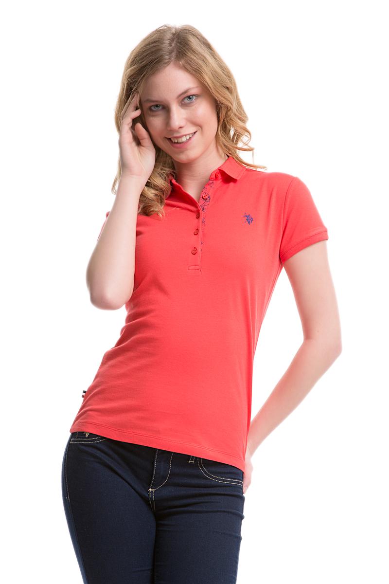 Поло женское U.S. Polo Assn., цвет: красный. G082SZ0110TP01IY05-011. Размер L (48)G082SZ0110TP01IY05-011Стильная футболка-поло с короткими рукавами и отложным воротником выполнена из натурального эластичного хлопка. На груди модель застегивается на пуговицы.