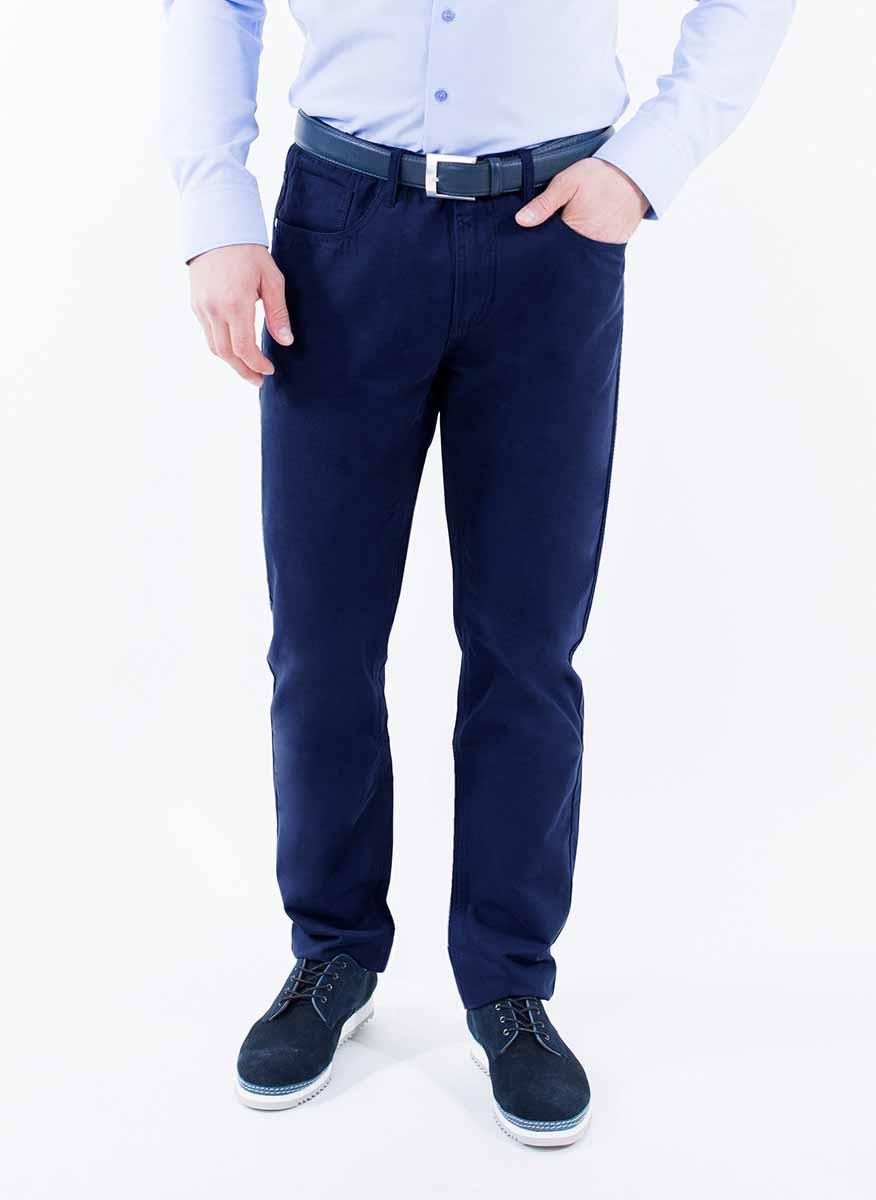 Брюки мужские Greg Horman, цвет: синий. 2-171-20-4105. Размер 40-34 (56/58-34)2-171-20-4105Мужские брюки Greg Horman выполнены из натурального хлопка. Брюки застегиваются на пуговицу в поясе и имеют ширинку на застежке-молнии. На брюках предусмотрены шлевки для ремня. Спереди модель дополнена двумя втачными карманами и маленьким накладным кармашком, а сзади - двумя накладными карманами.Комфортные стильные брюки пригодятся фактически для любых случаев жизни.