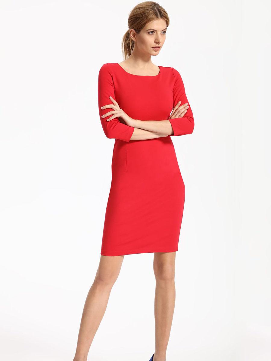 Платье Top Secret, цвет: красный. SSU1780CE42. 42 (50)SSU1780CEПлатье Top Secret выполнено из вискозы, полиамида и эластана. Модель с круглым вырезом горловины и рукавами 3/4 сзади застегивается на застежку-молнию.