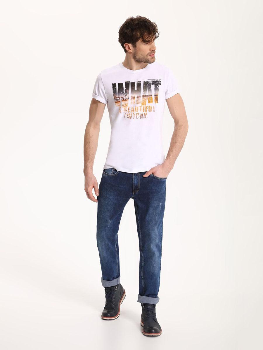 Джинсы мужские Top Secret, цвет: темно-синий. SSP2496GR33H[E]. 33H (48/50)SSP2496GRСтильные мужские джинсы Top Secret - джинсы высочайшего качества на каждый день, которые прекрасно сидят. Модель классического кроя и средней посадки изготовлена из высококачественного хлопка и эластана. Застегиваются джинсы на пуговицу в поясе и ширинку на молнии, имеются шлевки для ремня. Спереди модель дополнена двумя втачными карманами и одним небольшим секретным кармашком, а сзади - двумя накладными карманами. Эти модные и в тоже время комфортные джинсы послужат отличным дополнением к вашему гардеробу. В них вы всегда будете чувствовать себя уютно и комфортно.