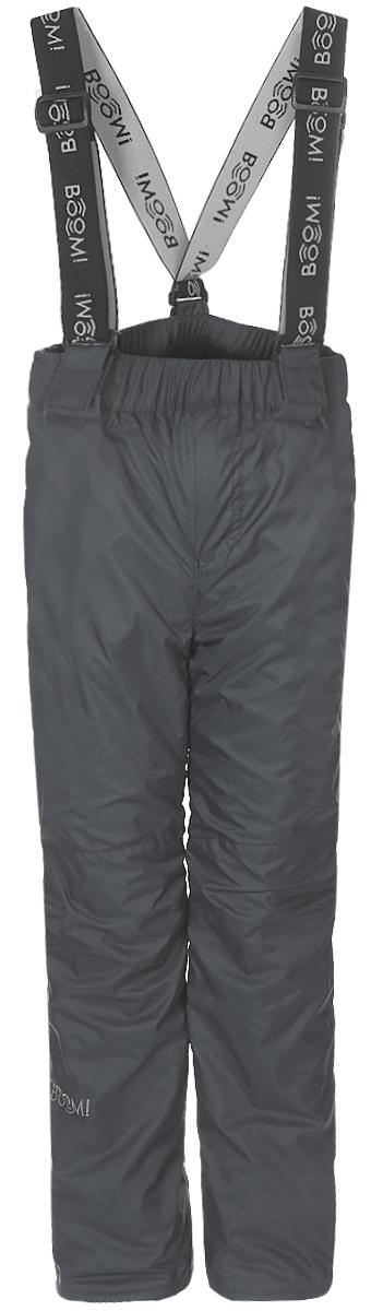 Брюки утепленные для мальчика Boom!, цвет: серый. 70030_BOB_вар.2. Размер 98, 3-4 года70030_BOB_вар.2Утепленные брюки для мальчика Boom! прямого кроя и стандартной посадки изготовлены из водонепроницаемой и ветрозащитной мембранной ткани на основе полиэстера, подкладка выполнена из мягкого флиса. Брюки дополнены широкой эластичной резинкой на поясе. Объем талии регулируется при помощи внутренней эластичной резинки с пуговицами. Брюки оснащены съемными эластичными подтяжками на липучках. Изделие дополнено двумя втачными карманами спереди. Модель оформлена светоотражающими полосками. Уважаемые клиенты! Просим обратить ваше внимание, что брюки до 122 размера комплектуются регулируемыми подтяжками. Начиная со 128 размера, брюки застегиваются на кнопку и имеют ширинку на застежке-молнии.