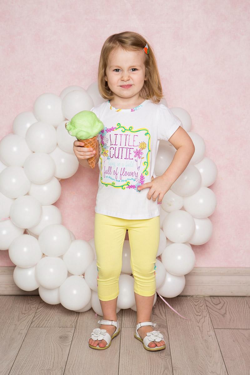 Лосины для девочки Sweet Berry Baby, цвет: желтый. 712018. Размер 80712018Яркие лосины для девочки Sweet Berry выполнены из качественного хлопкового материала. Укороченная модель стандартной посадки на талии имеет пояс на мягкой резинке. Низ брючин с боков оформлен яркой аппликацией.