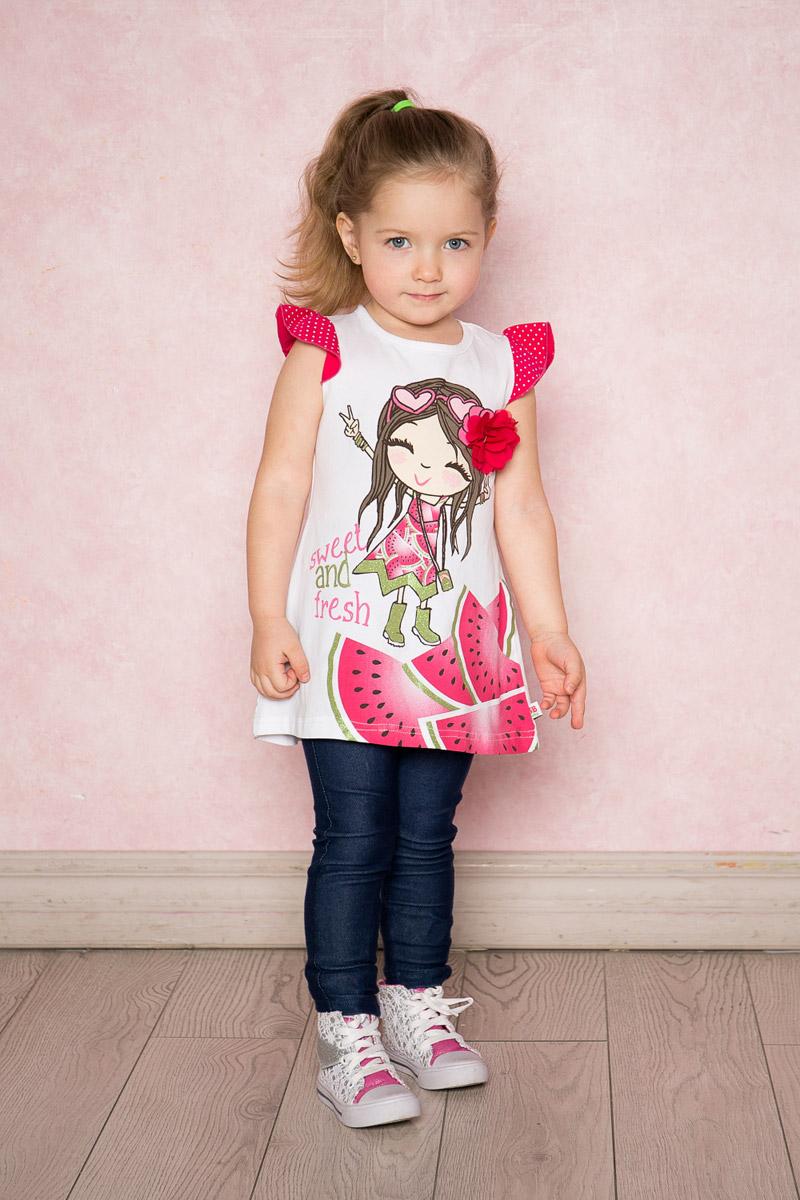 Платье для девочки Sweet Berry Baby, цвет: белый. 712100. Размер 86712100Яркое платье для девочки Sweet Berry выполнено из качественного эластичного хлопка. Модель А-силуэта с контрастными рукавами-крылышками оформлена модным принтом и объемным цветком. Круглый вырез горловины дополнен мягкой эластичной бейкой.