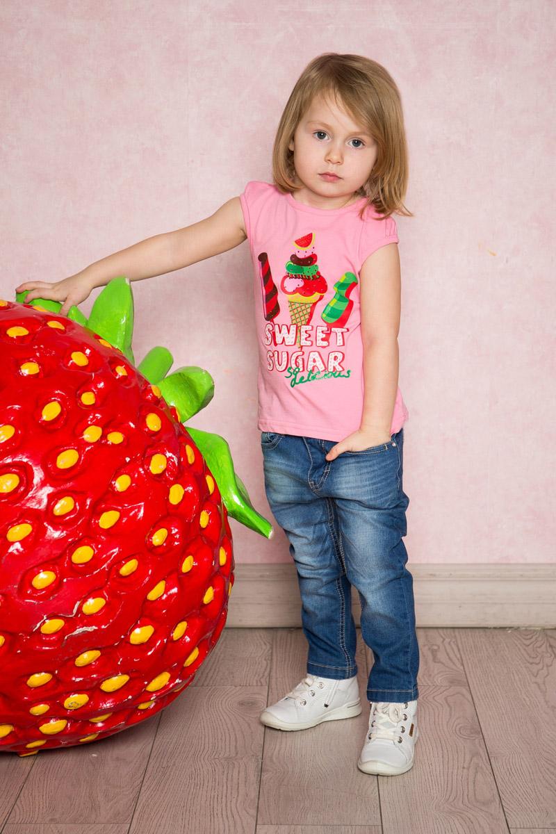 Футболка для девочки Sweet Berry Baby, цвет: розовый. 712092. Размер 92712092Яркая футболка для девочки Sweet Berry выполнена из качественного эластичного хлопка. Модель с круглым вырезом горловины и короткими рукавами оформлена оригинальным принтом. Воротник и проймы рукавов дополнены мягкой эластичной бейкой.
