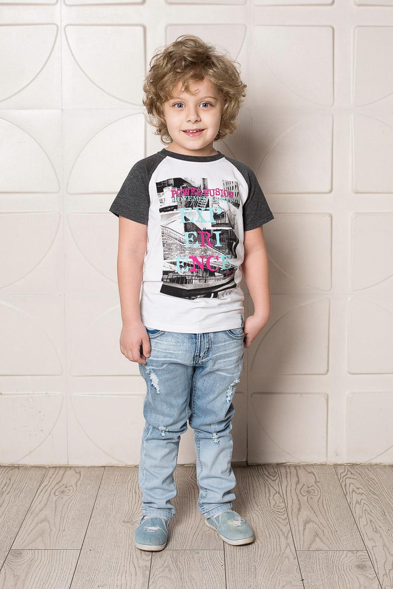 Футболка для мальчика Sweet Berry, цвет: белый. 713114. Размер 98713114Яркая футболка для мальчика Sweet Berry, выполненная из качественного эластичного хлопка, станет отличным дополнением к детскому гардеробу. Модель с круглым вырезом горловины оформлена оригинальным принтом. Рукава-реглан и мягкая резинка на воротнике выполнены из материала контрастного цвета.