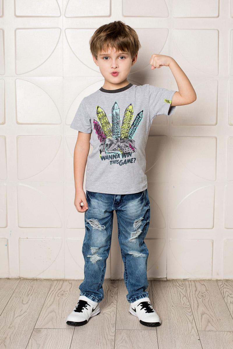 Футболка для мальчика Sweet Berry, цвет: серый меланж. 713110. Размер 110713110Яркая футболка для мальчика Sweet Berry, выполненная из качественного эластичного хлопка, станет отличным дополнением к детскому гардеробу. Модель с круглым вырезом горловины оформлена оригинальным принтом. Воротник дополнен мягкой трикотажной резинкой контрастного цвета.
