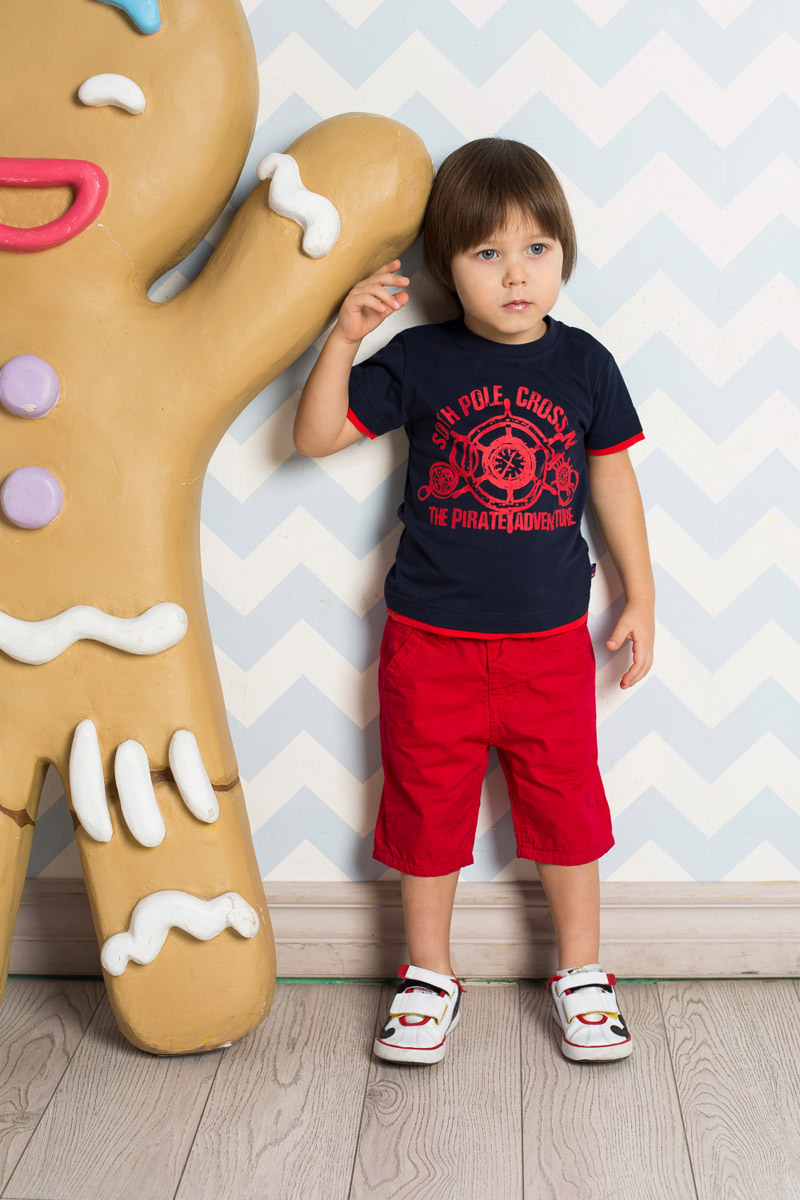 Футболка для мальчика Sweet Berry Baby, цвет: темно-синий. 711071. Размер 80711071Яркая футболка для мальчика Sweet Berry, выполненная из качественного эластичного хлопка, станет отличным дополнением к детскому гардеробу. Модель оформлена оригинальным принтом и имеет круглый вырез горловины с мягкой трикотажной резинкой. Манжеты рукавов и низ изделия дополнены вставками контрастного цвета, создающими эффект многослойности.