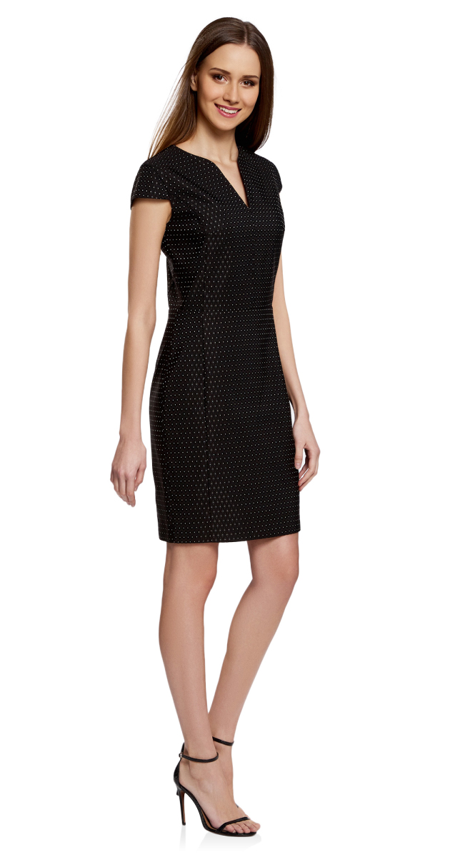Платье oodji Collection, цвет: черный, белый. 21902060-2/46140/2912D. Размер 44-170 (50-170)21902060-2/46140/2912DПриталенное платье oodji Collection, выгодно подчеркивающее достоинства фигуры, выполнено из качественного трикотажа с принтом в мелкий горошек и вышивкой вокруг него. Модель средней длины с фигурным V-образным вырезом горловины и короткими рукавами-крылышками застегивается на скрытую застежку-молнию на спинке.