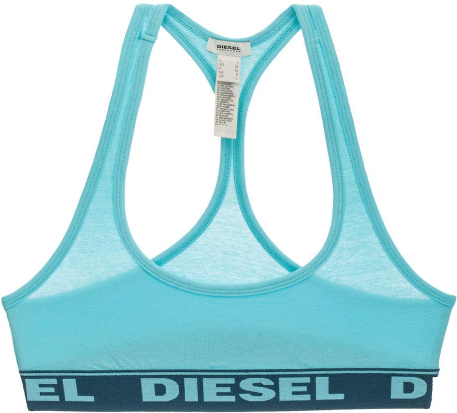 Топ-бра Diesel, цвет: голубой. 00SRFV-0HAFK/889. Размер S (42/44)00SRFV-0HAFK/889Спортивный топ-бра Diesel изготовлен из хлопка с добавлением эластана. Модель имеет глубокий вырез квадратной формы и спинку-борцовку. Эластичный кант и резинка внизу топа не стесняют движений, обеспечивая максимальный комфорт. Модель выполнена в однотонном дизайне, а резинка дополнена крупной надписью с названием бренда. Такой топ идеален для занятий фитнесом и йогой.
