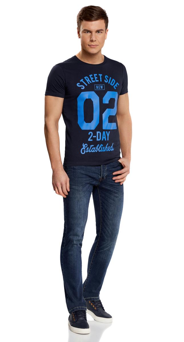 Футболка мужская oodji Lab, цвет: темно-синий, синий. 5L611335M/39496N/7975P. Размер M (50)5L611335M/39496N/7975PФутболка от oodji прямого силуэта с короткими рукавами и круглым вырезом горловины выполнена из натурального хлопка. Спереди модель оформлена принтом.
