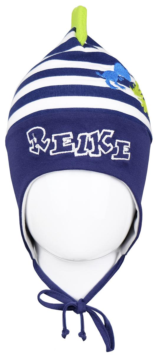 Шапка для мальчика Reike Динозаврики, цвет: синий. RKNSS17-DIN5. Размер 44RKNSS17-DIN5_navyЯркая двухслойная шапка для мальчикаReike Динозаврики, изготовленная из натурального хлопка в полоску, защитит голову ребенка от ветра в прохладную погоду. Модель с удлиненными ушками оформлена вышитыми принтом и логотипом Reike и ирокезом из флиса. Изделие фиксируется на голове при помощи завязок.Уважаемые клиенты!Размер, доступный для заказа, является обхватом головы.
