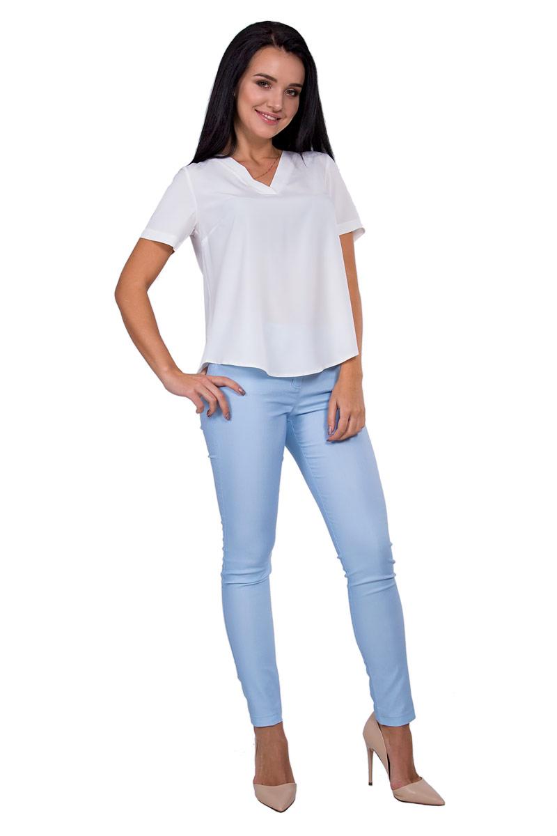 Блузка женская Pavlotti, цвет: белый. П18-198. Размер 48П18-198Блузка Pavlotti выполнена из полиэстера с добавлением вискозы. Универсальная блуза трапециевидного силуэта с V-образным вырезом и короткими рукавами незаменима при составлении базового гардероба.