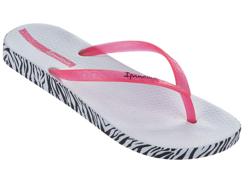 Сланцы женские Ipanema, цвет: белый, розовый. 25924-20755. Размер BRA 35 (36)25924-20755Стильные и очень легкие сланцы от Ipanema - придутся вам по душе. Верх модели выполнен из поливинилхлорида. Ремешки с перемычкой гарантируют надежную фиксацию изделия на ноге. Стелька и верх модели дополнены названием бренда. Подошва по кругу оформлена стильнымпринтом. Рифление на верхней поверхности подошвы предотвращает выскальзывание ноги. Рельефное основание подошвы обеспечивает уверенное сцепление с любой поверхностью. Удобные сланцы прекрасно подойдут для похода в бассейн или на пляж.