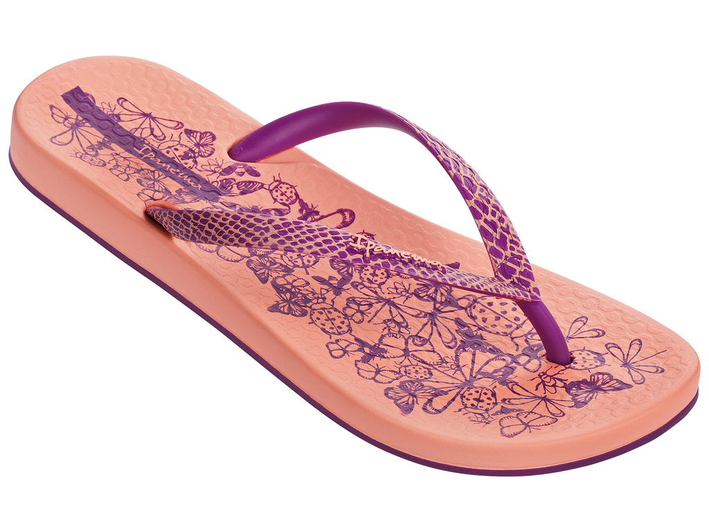 Сланцы женские Ipanema, цвет: персиковый, малиновый. 81926-20791. Размер BRA 36 (37)81926-20791Стильные и очень легкие сланцы от Ipanema- придутся вам по душе. Верх модели выполнен из поливинилхлорида. Ремешки с перемычкой гарантируют надежную фиксацию изделия на ноге. Стелька и верх модели украшены летним рисунком иназванием бренда. Рифление на верхней поверхности подошвы предотвращает выскальзывание ноги. Рельефное основание подошвы обеспечивает уверенное сцепление с любой поверхностью. Удобные сланцы прекрасно подойдут для похода в бассейн или на пляж.