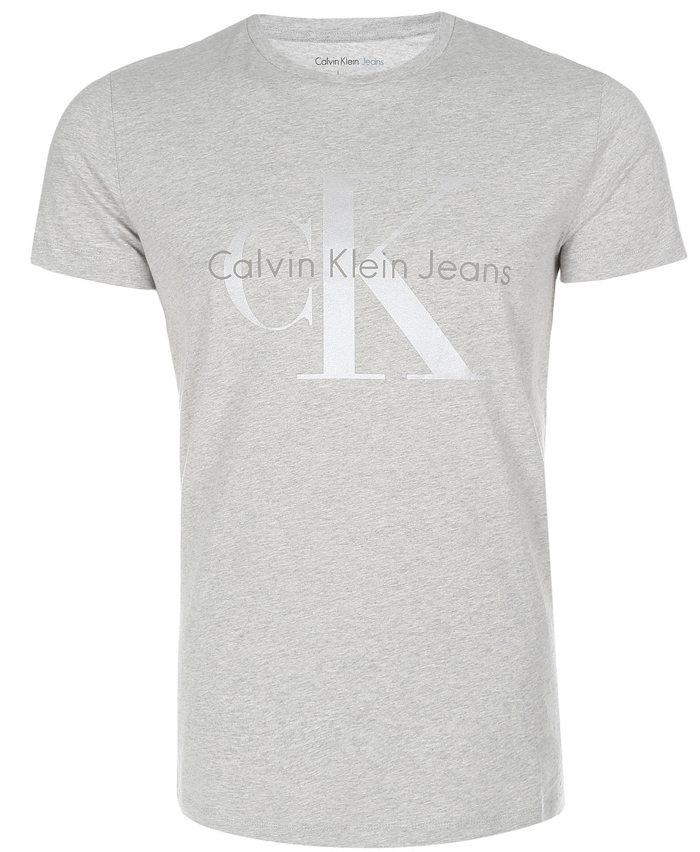 Футболка мужская Calvin Klein Jeans, цвет: серый. J30J304946_0380. Размер XXL (52/54)J30J304946_0380Мужская футболка Calvin Klein Jeans изготовлена из натурального хлопка. Модель выполнена с круглой горловиной и короткими рукавами. Футболка декорирована крупным принтом с названием бренда.