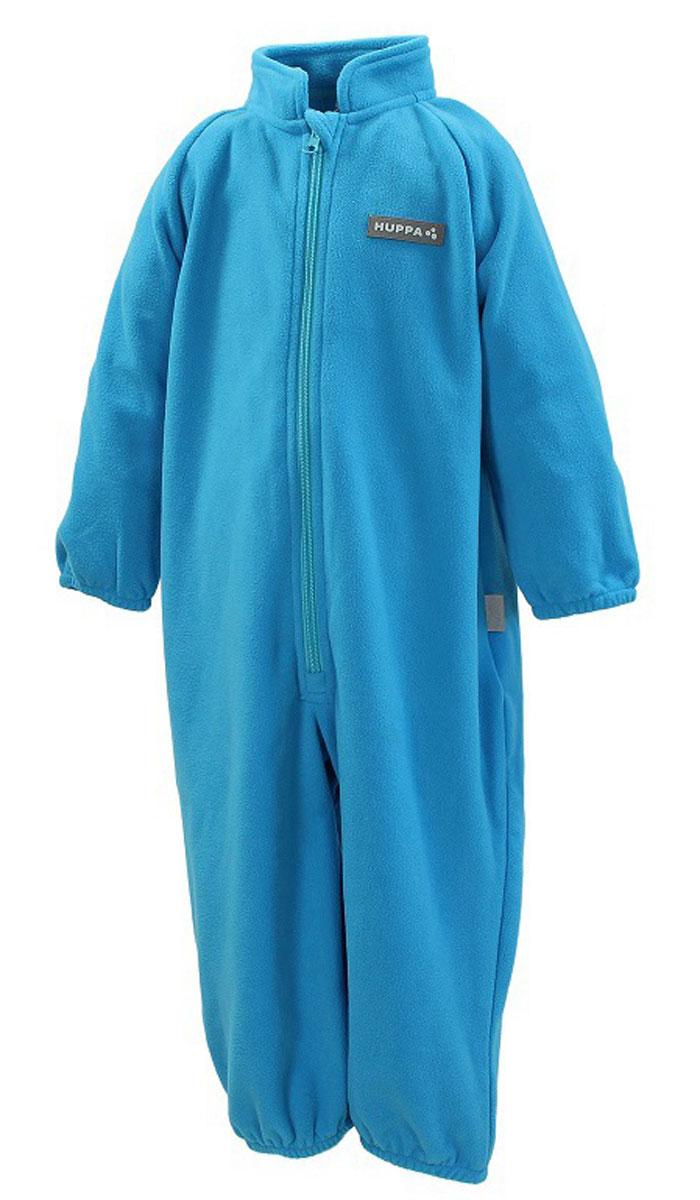 Комбинезон флисовый детский Huppa Roland, цвет: голубой. 3304BASE-60046. Размер 863304BASE-60046Детский комбинезон Huppa Roland - очень удобный и практичный вид одежды для малышей. Комбинезон выполнен из флиса, благодаря чему он необычайно мягкий и приятный на ощупь, не раздражает нежную кожу ребенка и хорошо вентилируется. Комбинезон с длинными рукавами и воротником-стойкой застегивается на пластиковую молнию с защитой подбородка. Рукава и штанины дополнены эластичными резинками. Спереди модель дополнена небольшой нашивкой с названием бренда. С детским комбинезоном спинка и ножки вашего ребенка всегда будут в тепле.