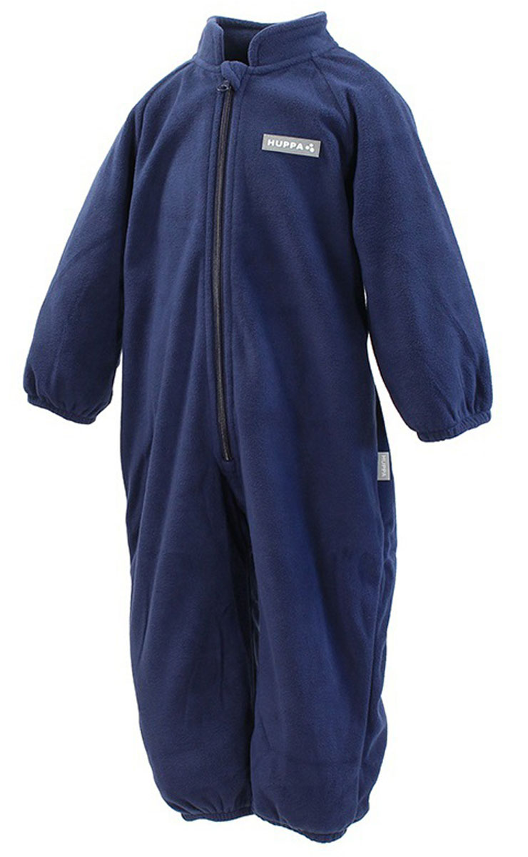 Комбинезон флисовый детский Huppa Roland, цвет: темно-синий. 3304BASE-00086. Размер 923304BASE-00086Детский комбинезон Huppa Roland - очень удобный и практичный вид одежды для малышей. Комбинезон выполнен из флиса, благодаря чему он необычайно мягкий и приятный на ощупь, не раздражает нежную кожу ребенка и хорошо вентилируется. Комбинезон с длинными рукавами и воротником-стойкой застегивается на пластиковую молнию с защитой подбородка. Рукава и штанины дополнены эластичными резинками. Спереди модель дополнена небольшой нашивкой с названием бренда. С детским комбинезоном спинка и ножки вашего ребенка всегда будут в тепле.