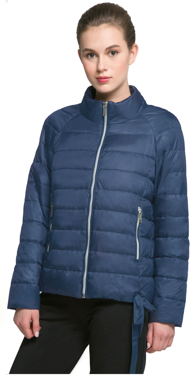 Куртка женская Grishko, цвет: темно-синий. AL-3121. Размер XL (50)AL-3121Необыкновенно женственная стеганая куртка Grishko утеплена тонким холлофайбером. Силуэт-балон, позволяющий регулировать длину и ширину изделия, имеется красивая завязка в форме банта. Практичные карманы на молнии и воротник-стойка делают модель абсолютно универсальной вещью в гардеробе любой модницы. Куртка прекрасно смотрится и с платьем и с джинсами, что делает ее незаменимой для городских будней и беззаботных выходных в новом весенне-летнем сезоне. Холлофайбер - это утеплитель, который отличается повышенной теплоизоляцией, антибактериальными свойствами, долговечностью в использовании, он необычайно легок в носке и уходе. Изделия легко стираются в машинке, не теряя первоначального внешнего вида.