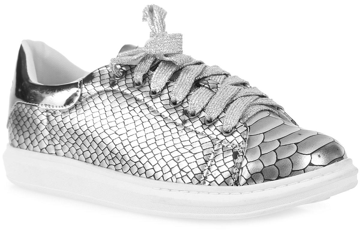 Полуботинки для девочки М+Д, цвет: серебряный. 6950-S. Размер 346950-SСтильные полуботинки для девочки М+Д изготовлены из качественной искусственной кожи. Удобная шнуровка надежно зафиксирует обувь на ноге. Мягкая стелька обеспечивает комфорт при носке. Подошва оснащена рифлением для лучшего сцепления с различными поверхностями.