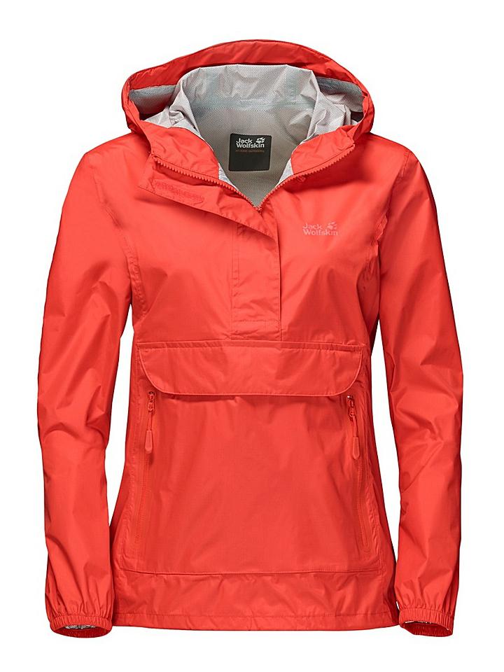 Куртка женская Jack Wolfskin Cloudburst Smock W, цвет: коралловый. 1108641-2424. Размер S (44)1108641-2424Куртка-анорак Cloudburst Smock изготовлена из 100% полиамида. Ткань легкая, дышащая, водонепроницаемая и непродуваемая. Модель имеет длинные стандартные рукава с манжетами на резинке, капюшон с регулировкой объема и воротник на молнии. Спереди расположен большой карман с клапаном, в котором удобно хранить карты, GPS и другие необходимые в походе вещи, а также два кармана на молнии. Такая куртка идеальна для небольших походов в лесу или в горах. Если вдруг вас застанет дождь, то не переживайте - куртка не даст вам промокнуть, и вы с комфортом доберетесь до места назначения. Модель компактно складывается и не занимает много места в рюкзаке.