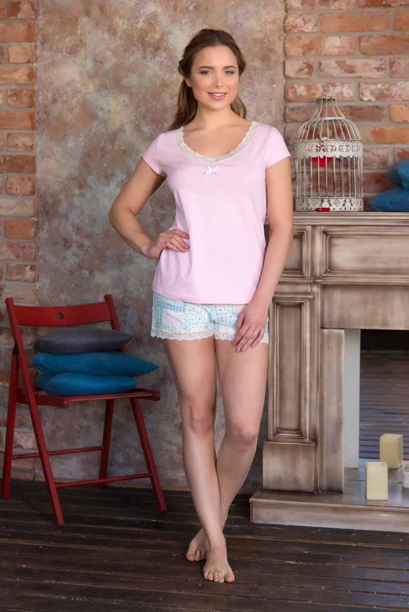 Пижама женская: футболка, шорты Mia Cara Portugal, цвет: розовый, голубой. AW16-MC-813. Размер 50/52AW16-MC-813Женская пижама Mia Cara, состоящая из футболки и шорт, идеально подойдет для отдыха и сна. Модель выполнена из трикотажа с добавлением эластана. Футболка с круглым вырезом горловины дополнена кружевной оборкой и текстильным бантиком. Шорты с широкой эластичной резинкой в поясе понизу дополнены кружевной оборкой.