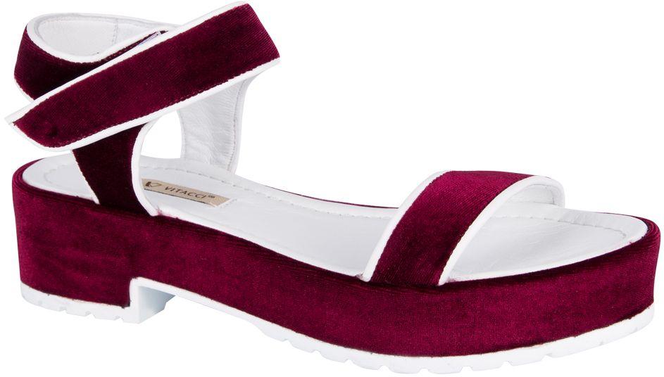 Сандалии женские Vitacci, цвет: бордовый. 132002. Размер 39132002Стильные женские сандалии от Vitacci не оставят вас незамеченной! Модель выполнена из качественного текстиля. Ремешок с липучкой надежно зафиксирует модель на ноге. Стельки из натуральной кожи гарантируют комфорт и удобство при ходьбе.