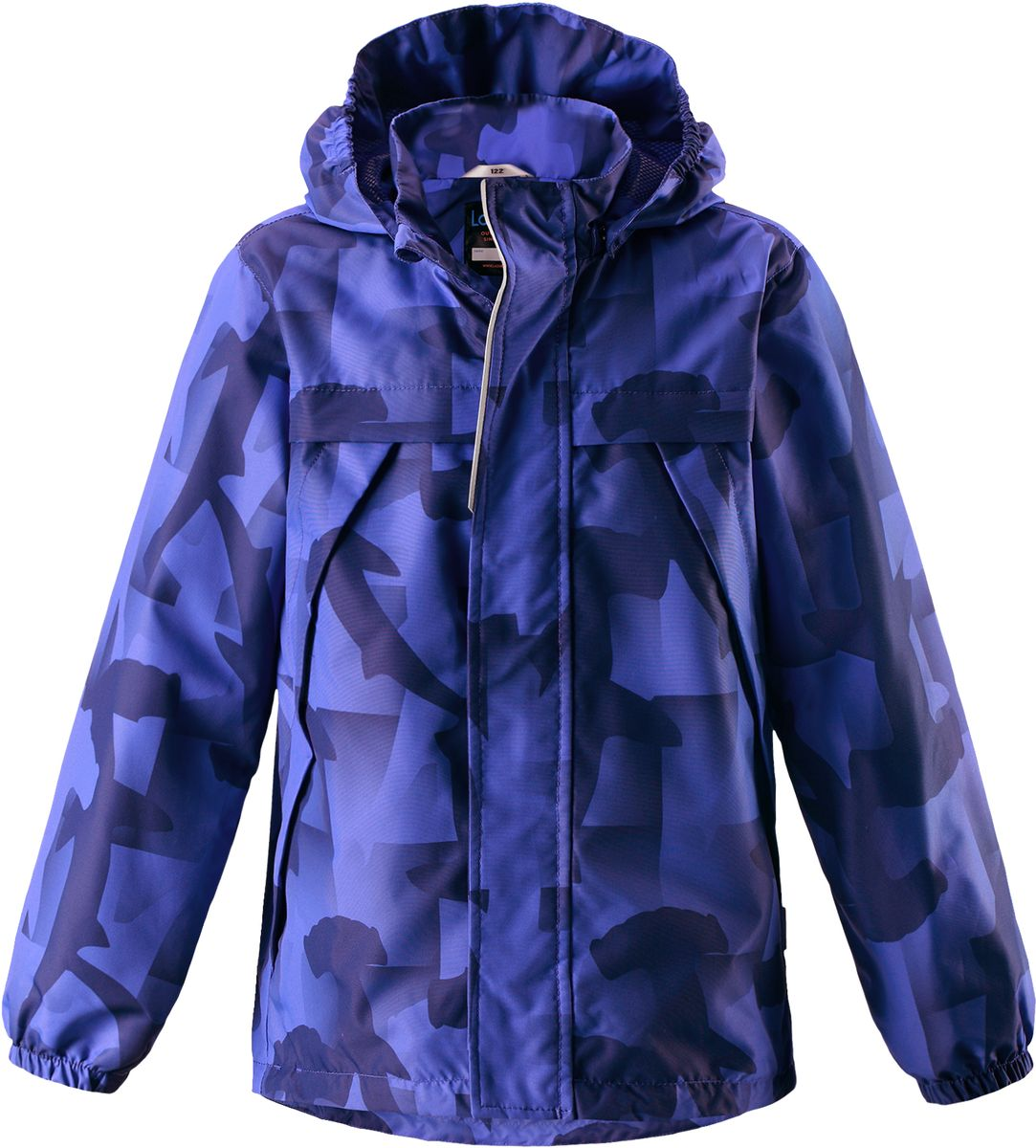 Куртка для мальчика Lassie, цвет: синий. 721707R6691. Размер 116721707R6691Легкая и удобная куртка для мальчиков на весенне-осенний период. Она изготовлена из водоотталкивающего и ветронепроницаемого, но при этом дышащего материала. Куртка снабжена дышащей и приятной на ощупь подкладкой на легком утеплителе, которая облегчает одевание. Съемный капюшон обеспечивает защиту от холодного ветра, а также безопасен во время игр на свежем воздухе! Благодаря регулируемому подолу эта модель свободного покроя отлично сидит по фигуре. Снабжена множеством продуманных элементов, например, передними карманами и эластичными манжетами.